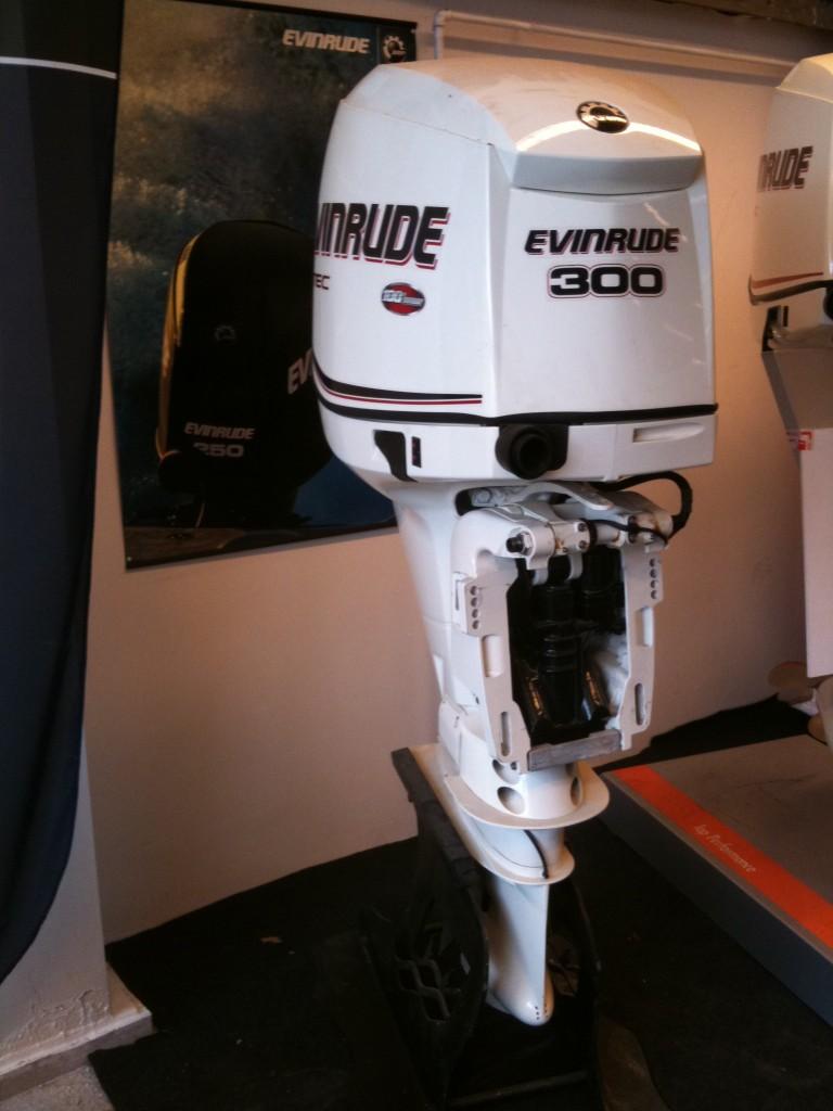Evinrude 300 E-Tec Demo model
